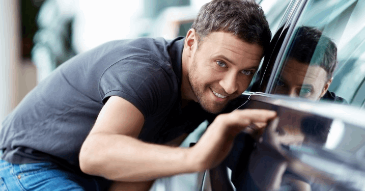 Deixe seu carro com cara de novo! Polimento Automotivo + Cristalização de Pintura por APENAS R$59,90 na Renovadora de Veículos Central!!!