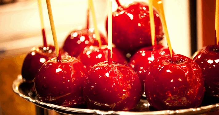 Oferta Encantada! 15 Maçãs do Amor com Cobertura de Açúcar Caramelizado, Embaladas em Celofane com Laço por APENAS R$22,90!!!